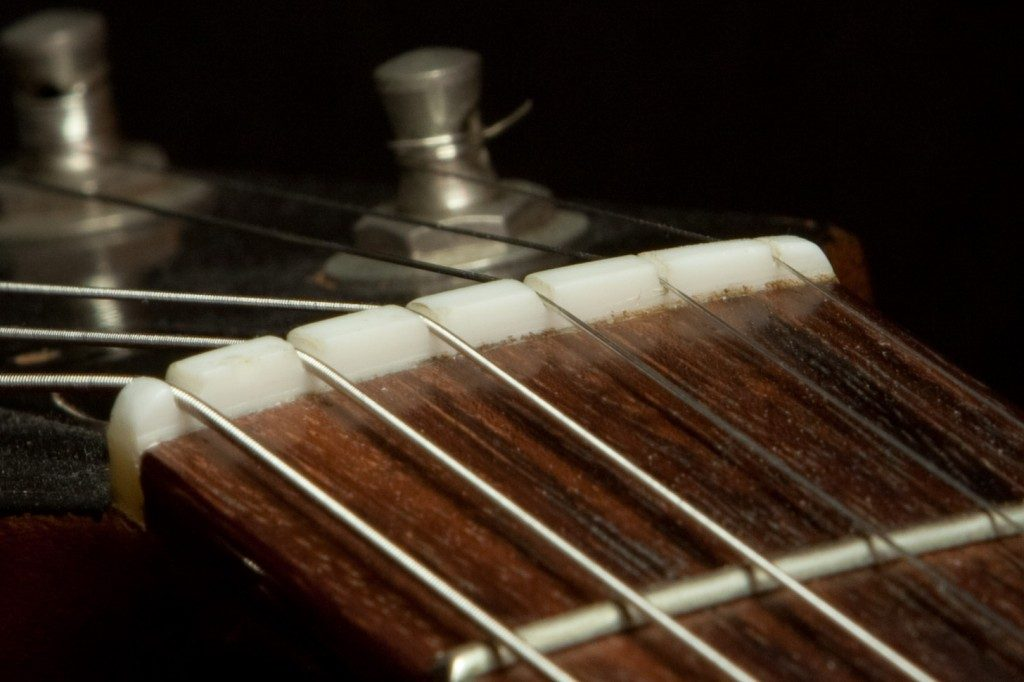 5 Reasons Why Guitar Strings Break