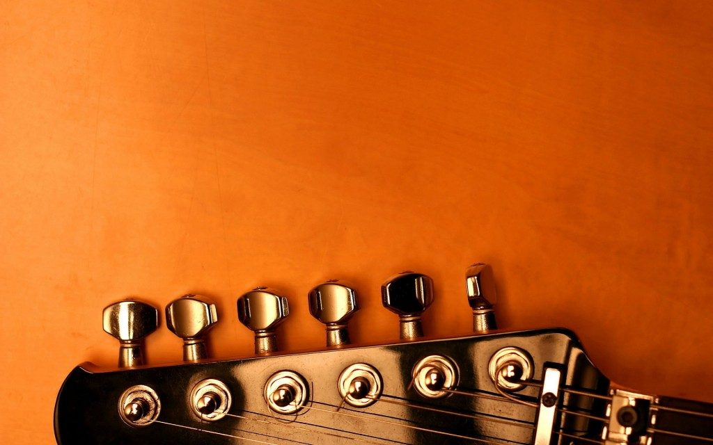 5 Signs it's Time To Change Your Guitar Strings