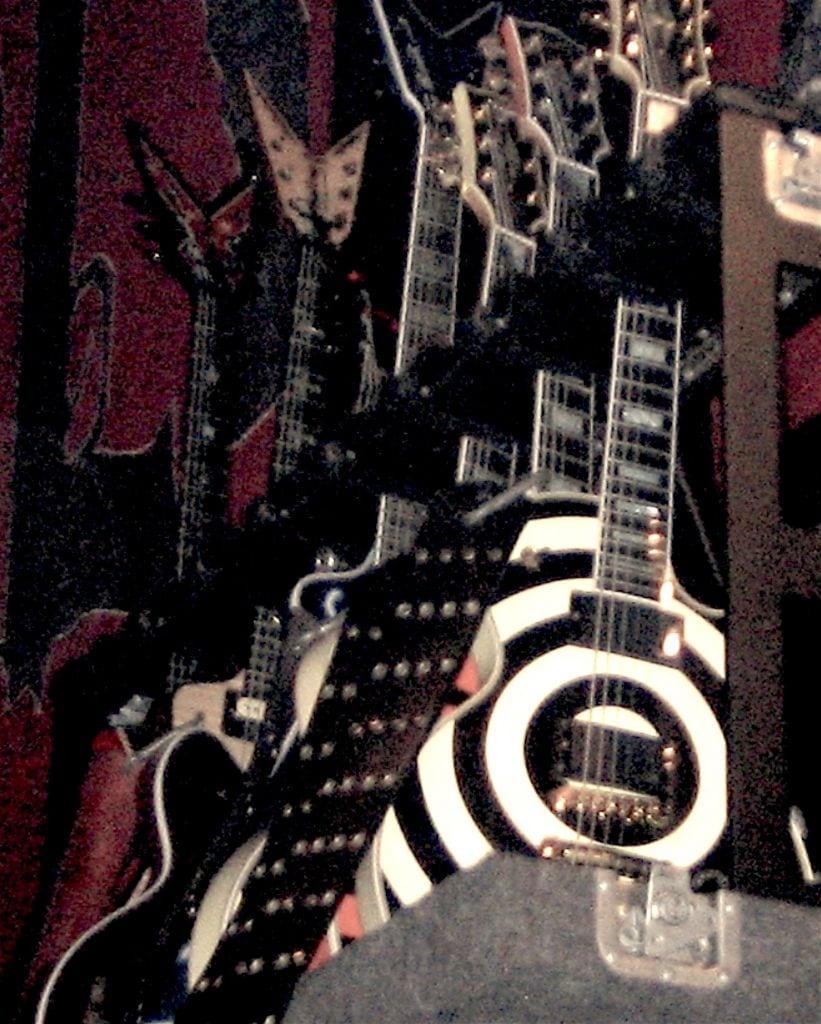 zakk wylde 39 s guitar string gauges stringjoy. Black Bedroom Furniture Sets. Home Design Ideas