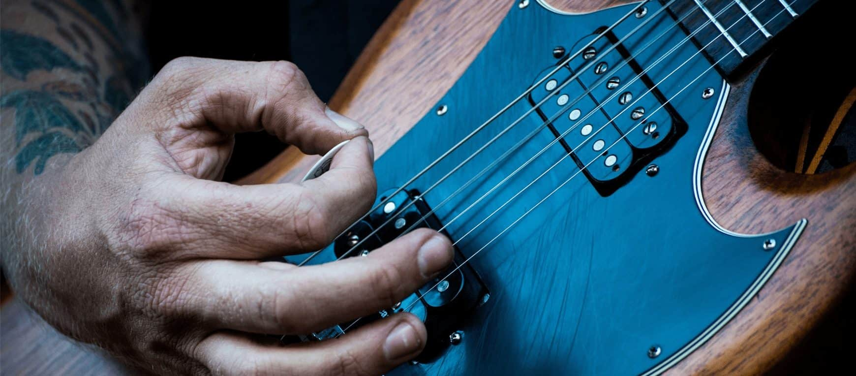 Guitar Pick Thickness, Size & Shape: How to pick the perfect pick