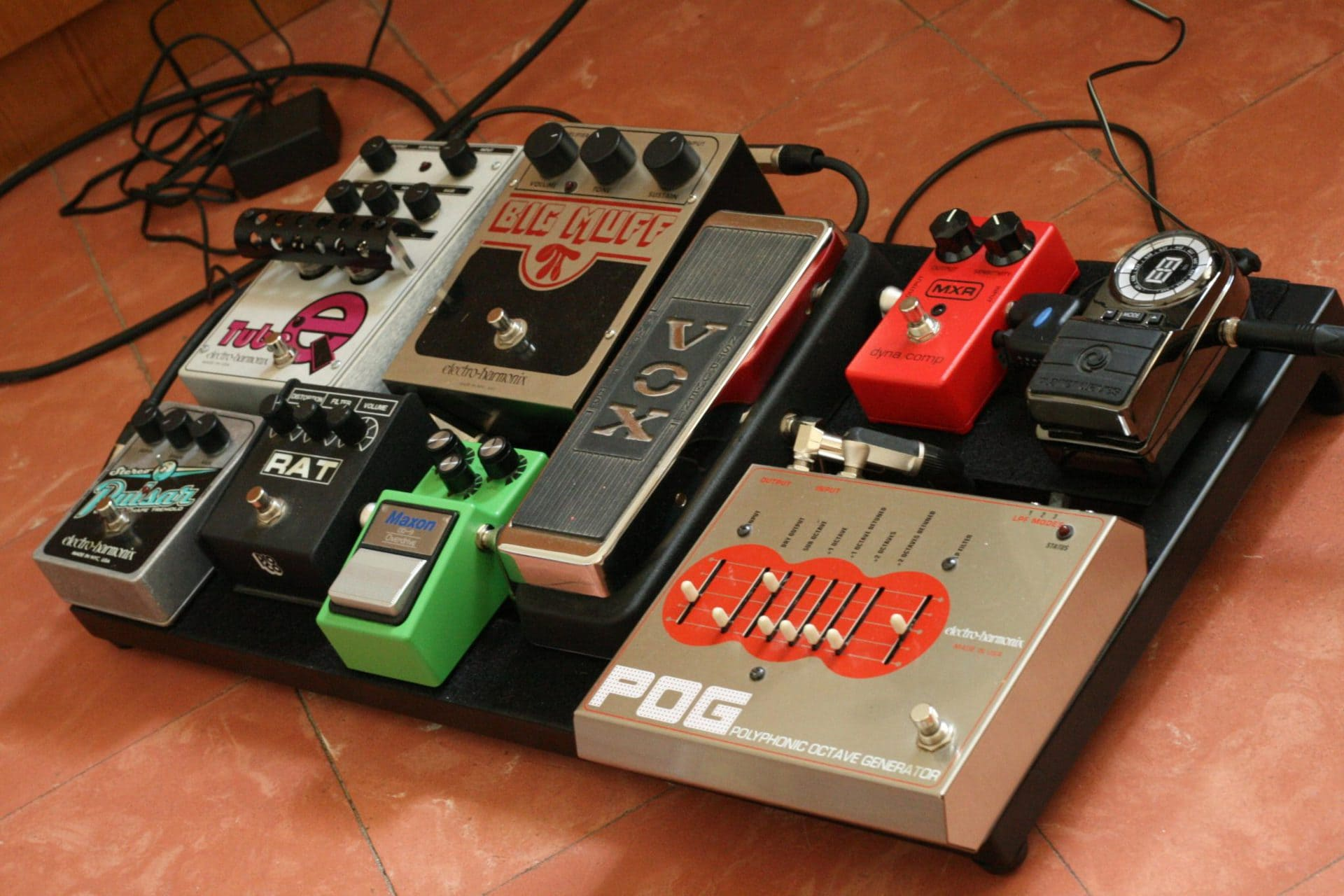 Surprising What Does A Compressor Pedal Do For Your Guitar Stringjoy Wiring Database Gramgelartorg