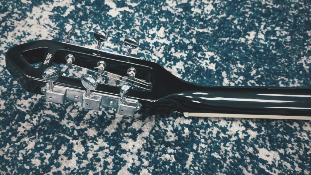 Guitar Neck Shape of an Eastwood Custom Model