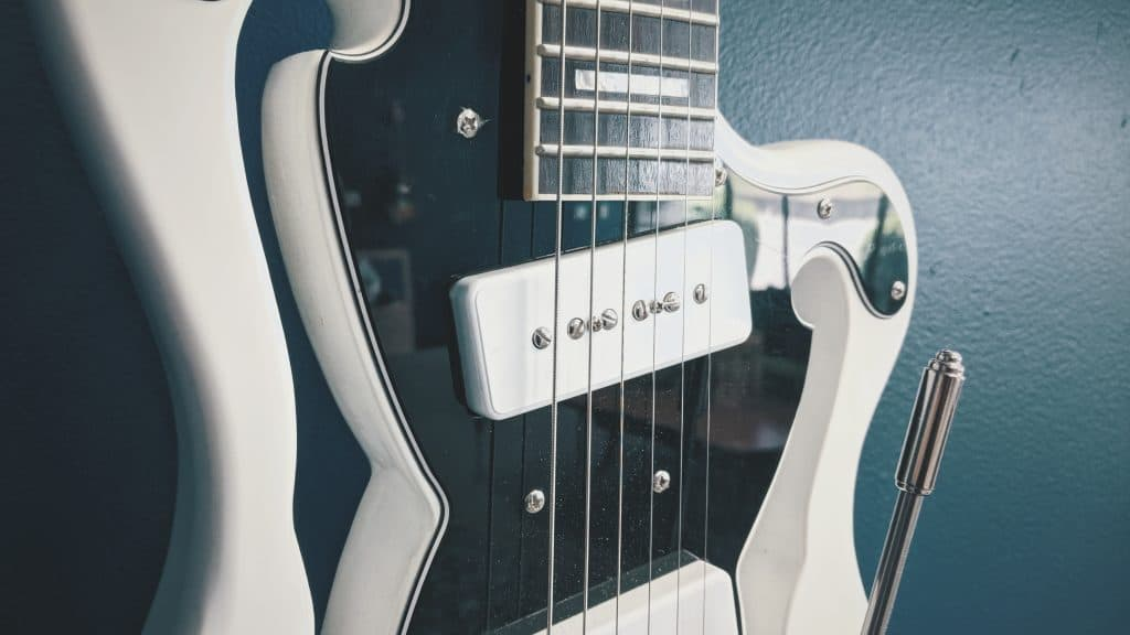 all the types of electric guitar pickups explained compared stringjoy. Black Bedroom Furniture Sets. Home Design Ideas
